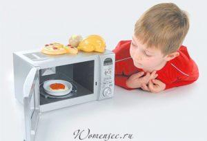 Можно ли греть еду в микроволновке ребенку