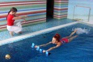 Можно ли в бассейн с хлоркой беременным