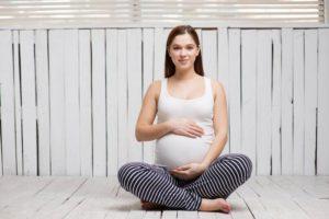 Можно ли сидеть в позе лотоса при беременности