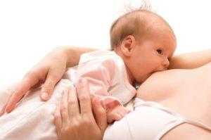Может ли ребенок переесть при грудном вскармливании