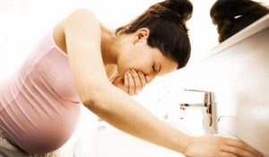 Тошнит на второй неделе беременности