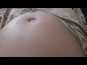 К чему снится что я беременная с животом и ребенок шевелится в животе