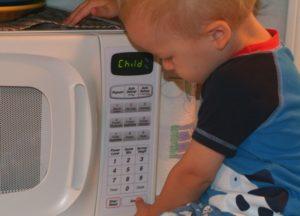 Можно ли подогревать смесь детскую в микроволновке