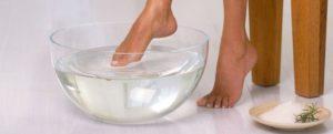 Можно ли беременным парить ноги в горячей воде при простуде