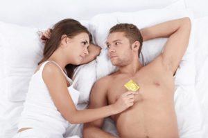 Прерванный половой акт и презерватив