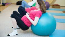 Можно ли беременным приседать на ранних сроках беременности