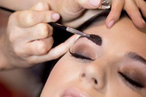 Можно ли красить брови при беременности на ранних сроках